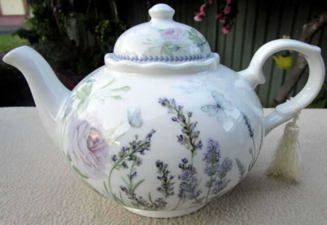 """""""LAVENDER & ROSE"""" PATTERN 23CM LONG TEAPOT IN MATCHING BOX MOTHER'S DAY GIFT"""