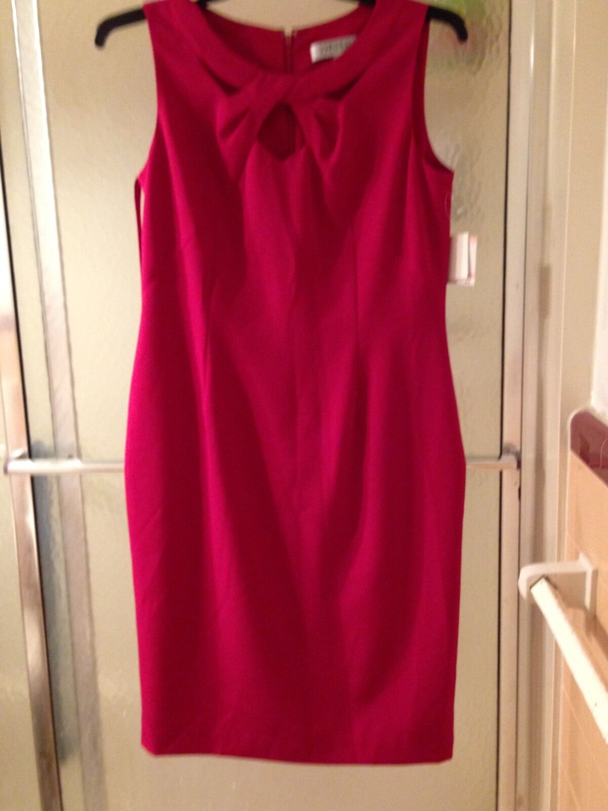 New With Tag Kasper rot Dress; Größe 10; Sleeveless; Knee Length;