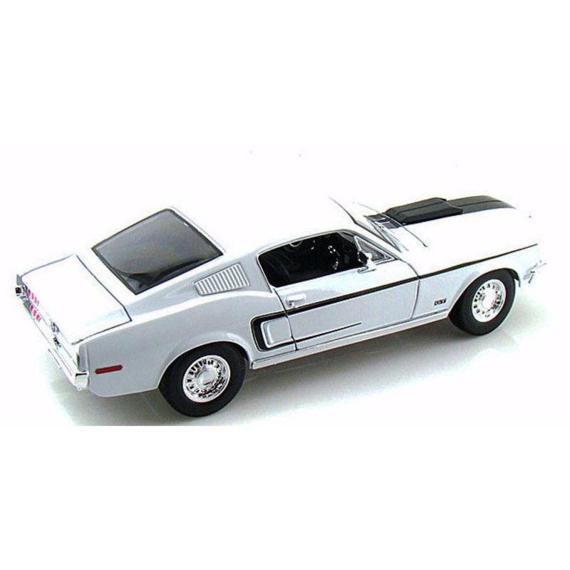 FORD MUSTANG GT COBRA 1968 blanco MAISTO 1 1 1 18 - NEUVE 41db80