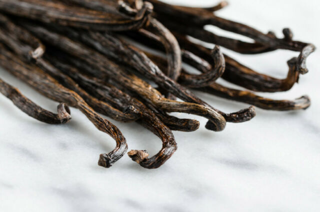 10 Madagascar Bourbon Vanilla Beans Grade B Great for Vanilla Extract - NEW