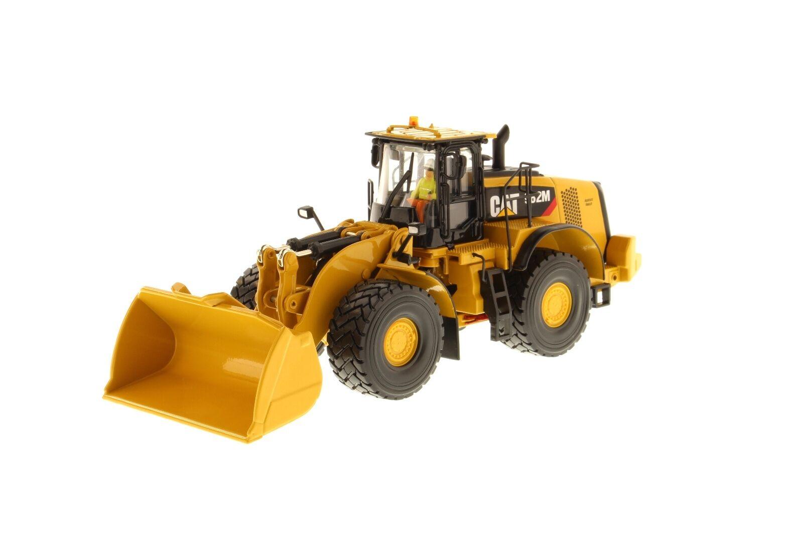 Caterpillar® 1 50 scale Cat 982M Wheel Loader - Diecast Masters 85292