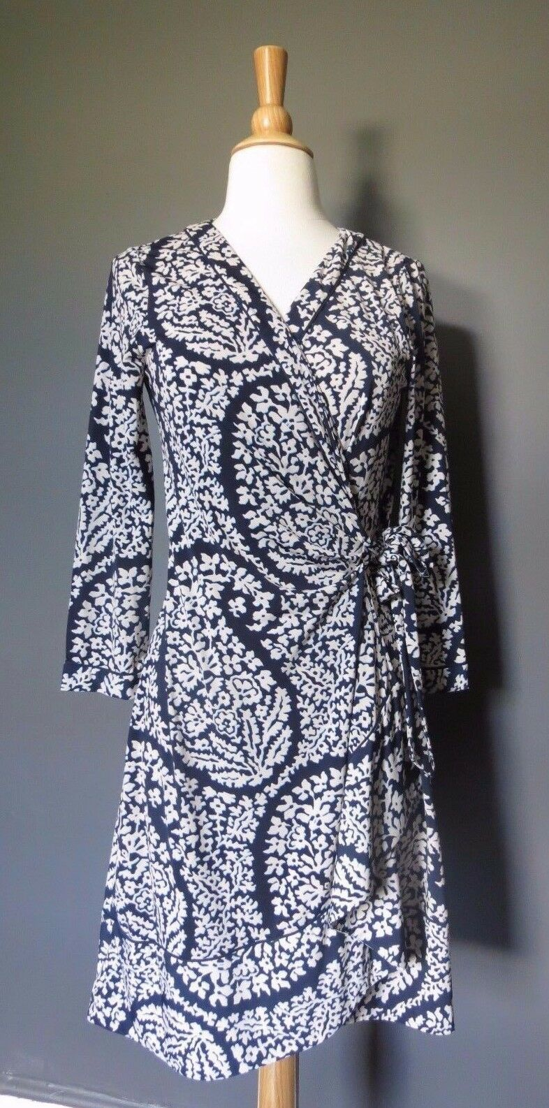 BCBG MAX AZRIA Paisley print  ALBERTA  wrap around dress Petite M