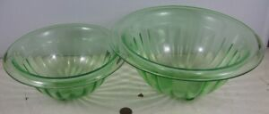 2-Vintage-Vaseline-Green-Depression-Nesting-Bowls-Federal-Fluted-Rolled-Lip