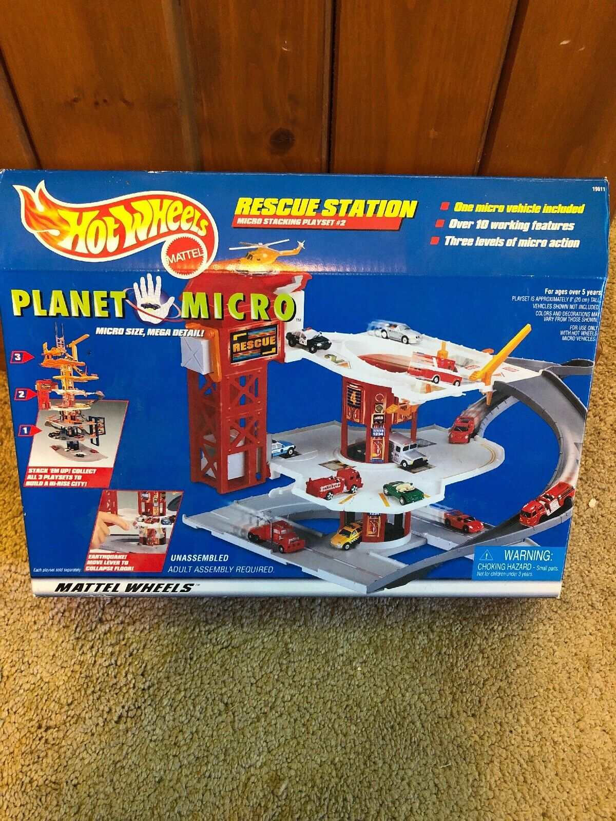 1997 RARE Hot Wheels Planet Micro Rescue Station-New in Box