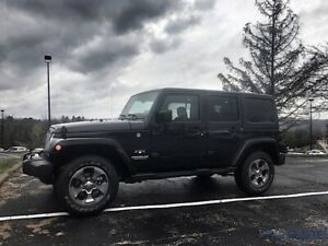 2017 Jeep WRANGLER UNLIMITED SAHARA LEATHER / TOUCH SCREEN