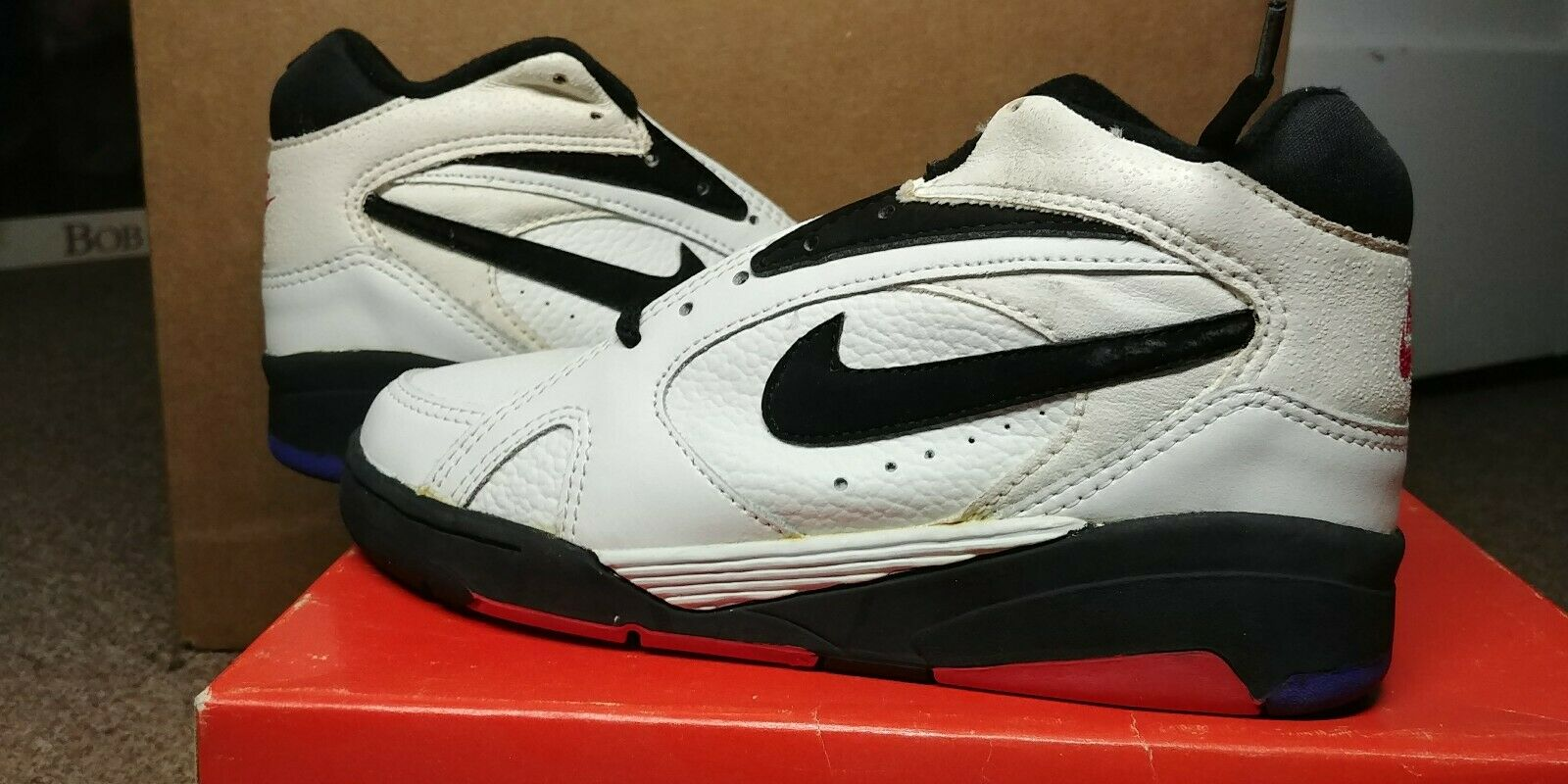 VINTAGE NIKE AIR SONIC FLIGHT MID (BGS) Sz 4y DEADSTOCK