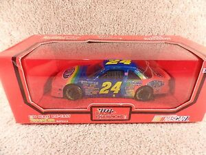 1994-Racing-Champions-1-24-Diecast-NASCAR-Jeff-Gordon-Dupont-MonteCarlo-24