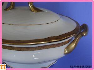 Une Ancienne Soupiere En Porcelaine De Limoges Double Dorure 24 Carats Et Aide à La Digestion