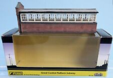 N scale Graham Farish 42-111 Pre-Built and Painted COAL STAITHES Coal Bins