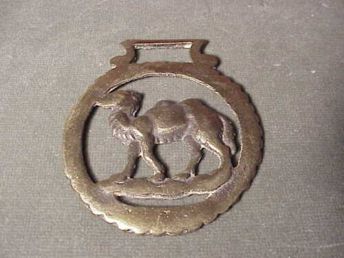 VINTAGE SOLID BRASS HORSE HARNESS DECORATION CIRCLE w WALKING CAMEL INSIDE