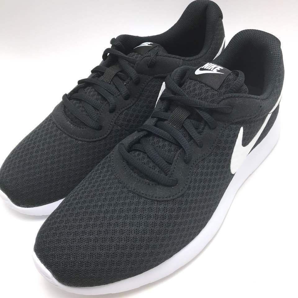 Nike Tanjun Men's Running shoes Black   White 812654-011