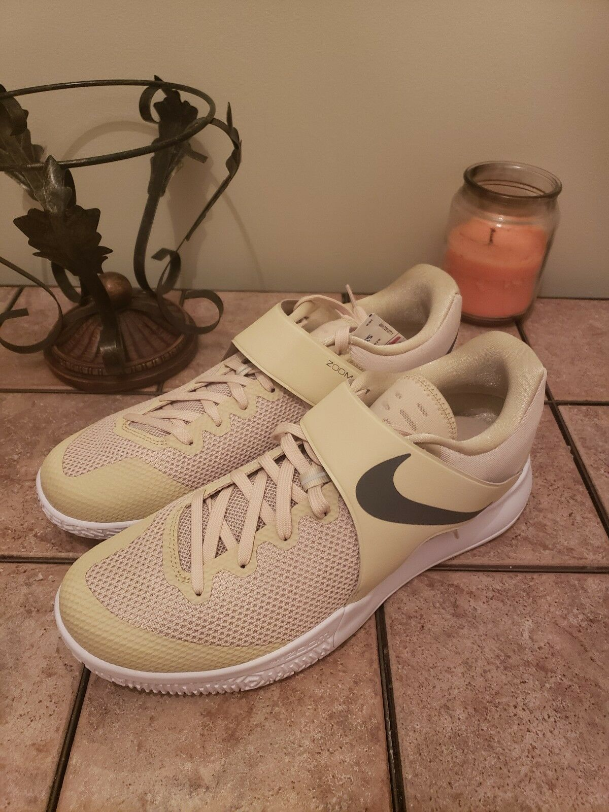 New Nike Zoom Live Men's B-Ball Sneakers. 902590-701  Beige  Sz.13 Ships free.