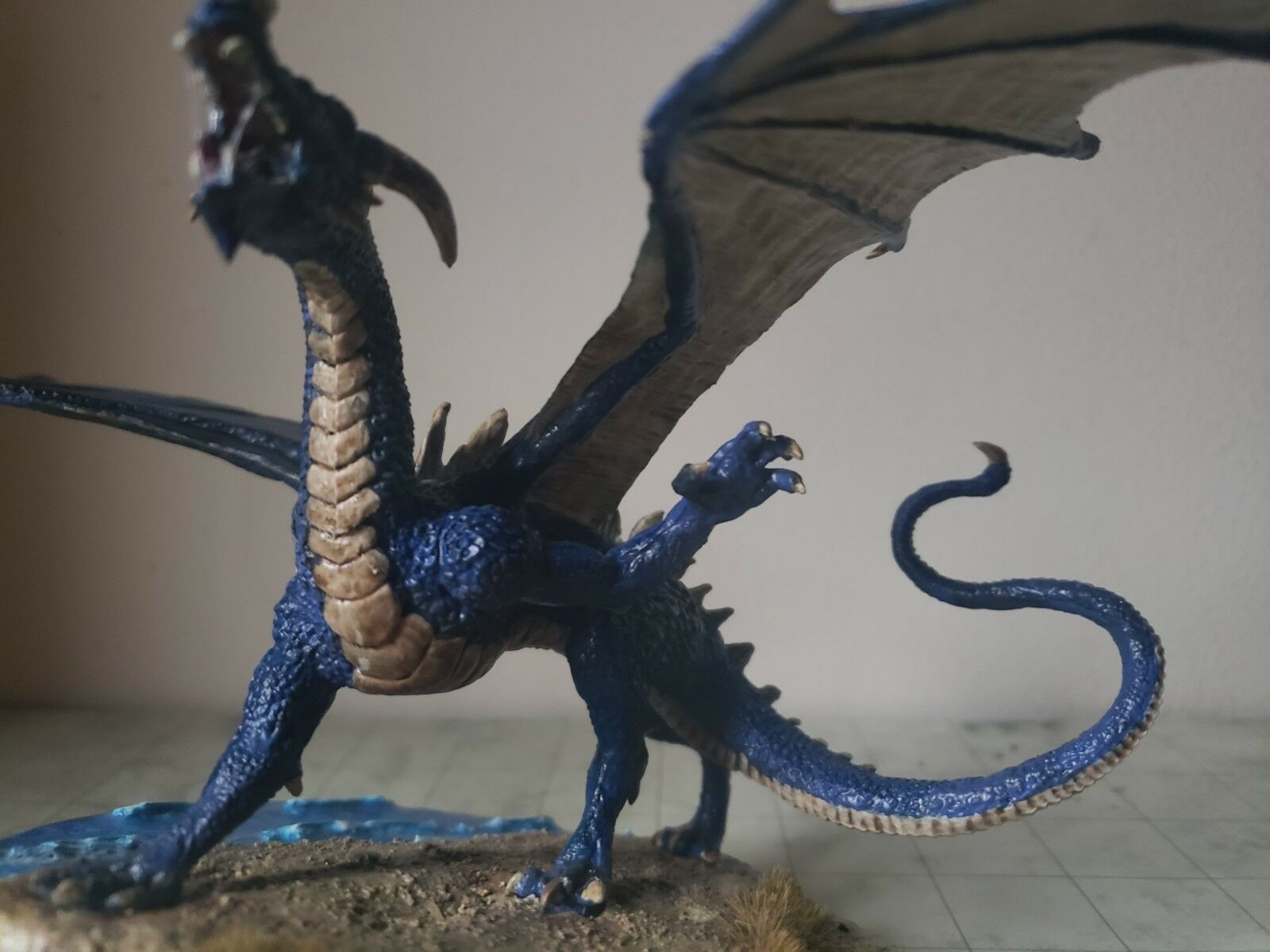 Dungeons Dungeons Dungeons and dragons ancient bluee dragon miniature, pro painted  based, new 31885b