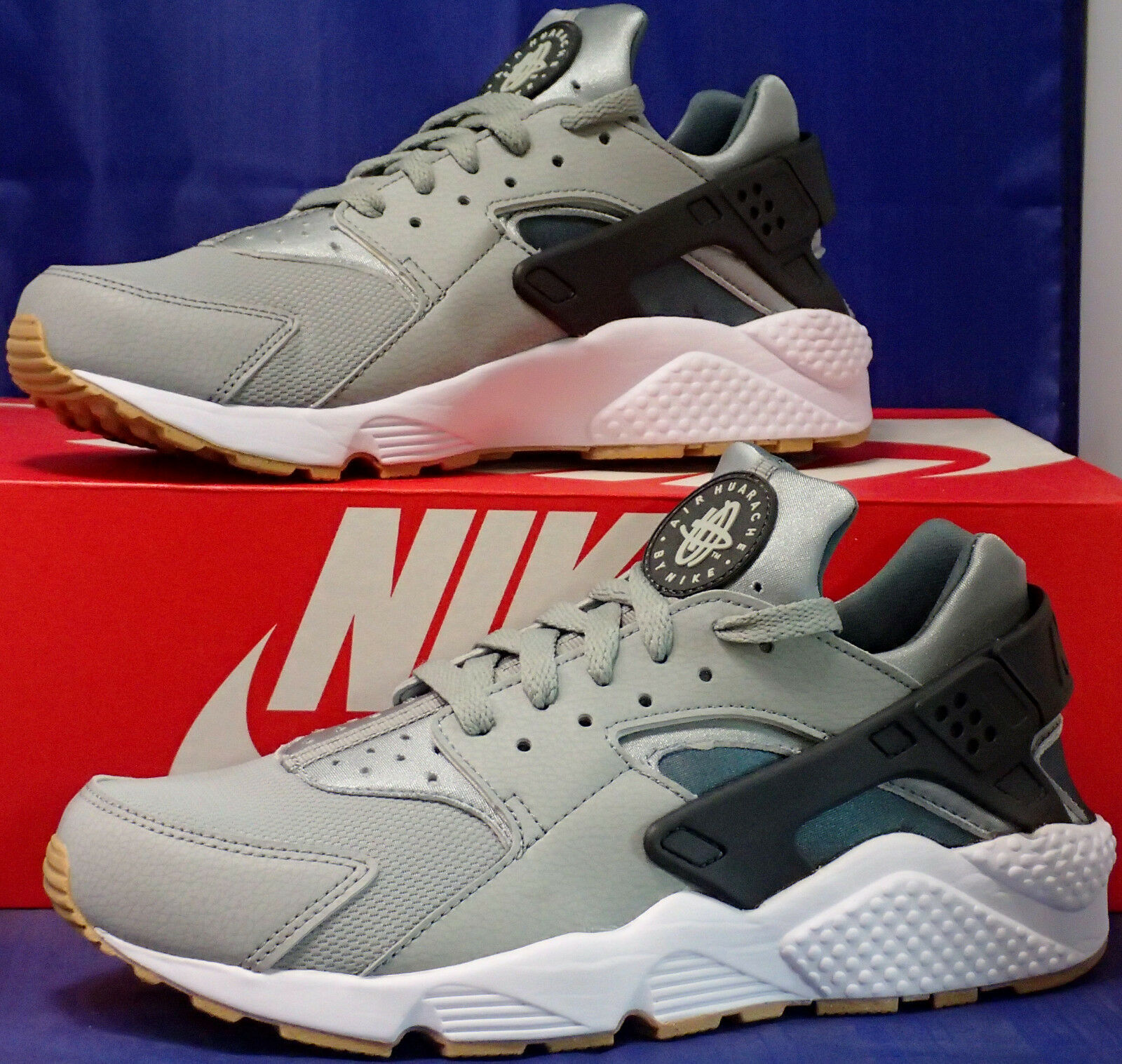 Nike Air Huarache Run Shark Anthracite Hasta White SZ 9 ( 318429-022 )