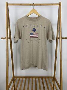 VTG-90s-Kennedy-Space-Center-NASA-USA-Flag-Tan-Short-Sleeve-T-Shirt-Size-L-USA