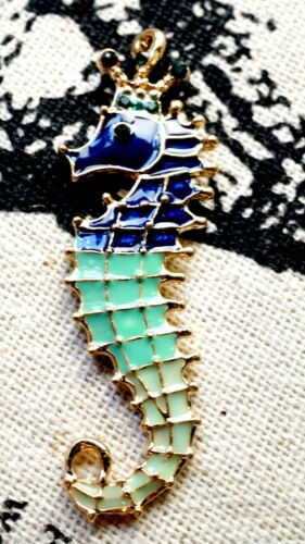 Encanto del esmalte Caballito de mar oro y suministros de joyas C343