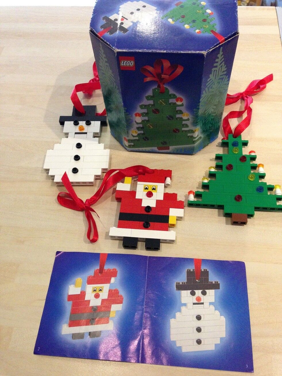 Lego Set 4759. Xmas Decoration Set from 2004. Very Good Condition. RARE SET.