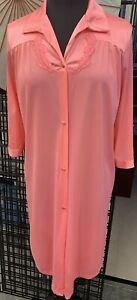Vanity-Fair-Vintage-Pink-Embellished-Nylon-Robe-Made-n-USA-Womens-Sz-SMALL-J