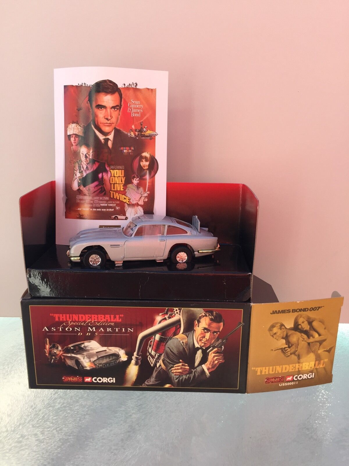 Corgi Aston Martin  James bond 007 DB5 réf USS00011