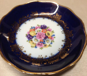 veritable porcelaine d 39 art limoges france pin dish coaster cobalt floral center ebay. Black Bedroom Furniture Sets. Home Design Ideas