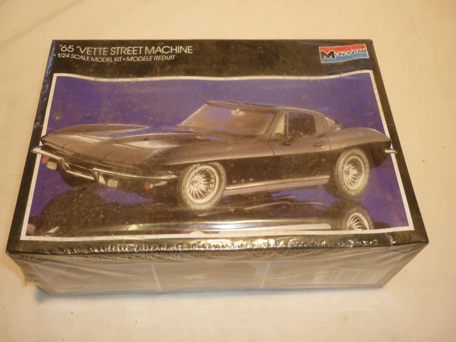 Monogram un opened   un made plastic kit of a 1965 chevrolet corvette street