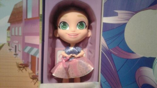 collectible Surprise Dolls and Accessories Hairdorables ‐ Bella Bows