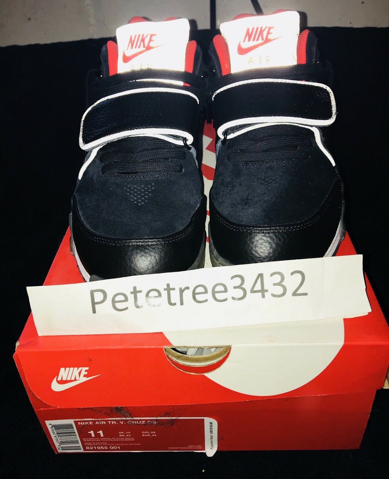 pre-owned of nike air trainer v. cruz