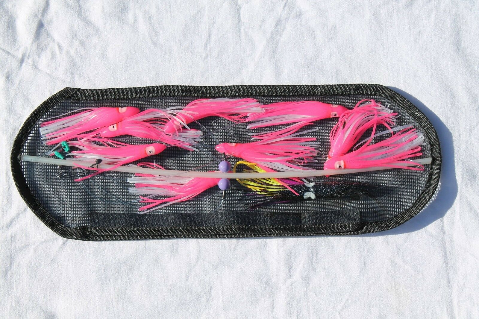 18-inch Flexible Spreader Bar w   PINK AND WHITE Squids, Hook Lure, Storage Bag  be in great demand