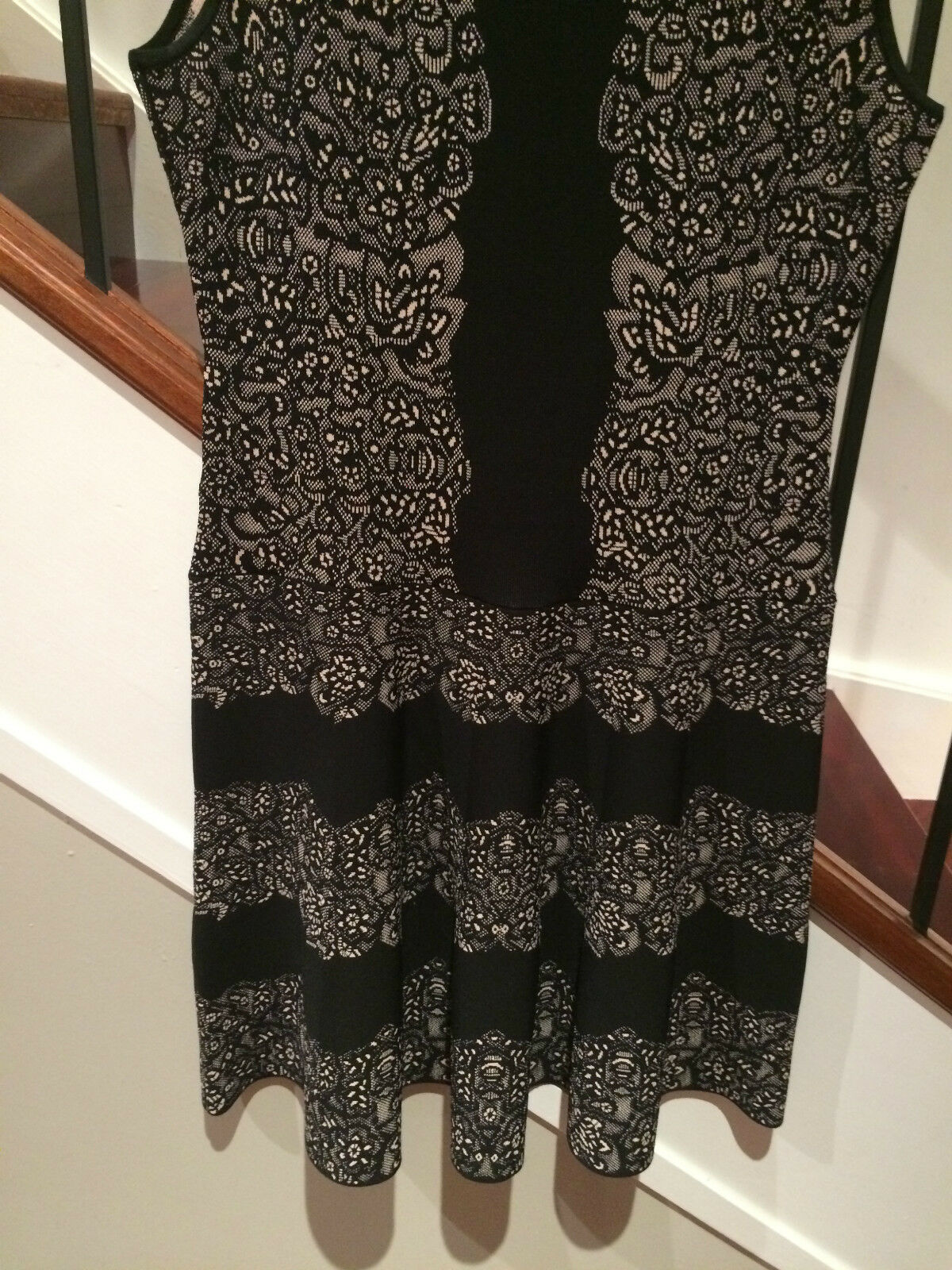 BCBG MAXAZRIA LADIES DRESS  SIZE LARGE  WORN ONCE ONCE ONCE  GREAT CONDITION  500+ bfff40