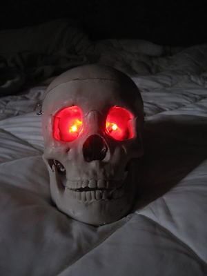Red LED Eyes Halloween prop use for corpse monster ghost jawa costumes and more!