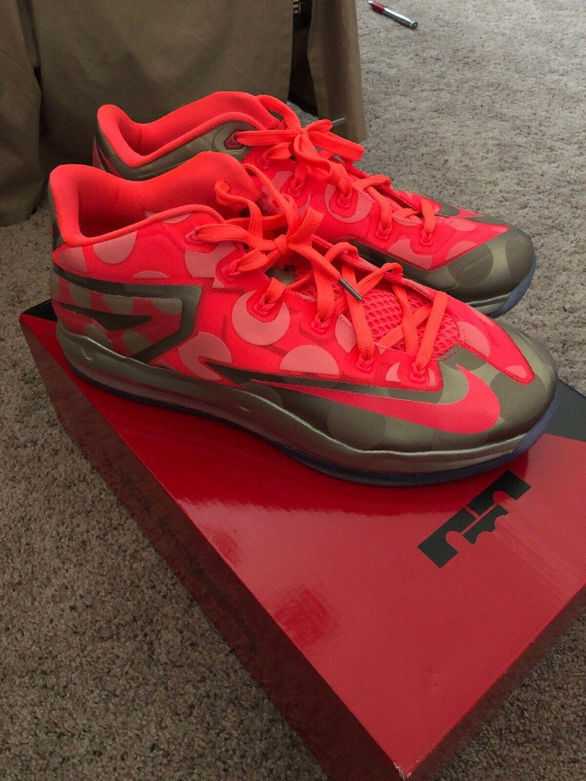 Nike Max Lebron XI  11 Low Maison Du Collection 683256 -064 Sz 10 Hyper Punch XVI  80% di sconto