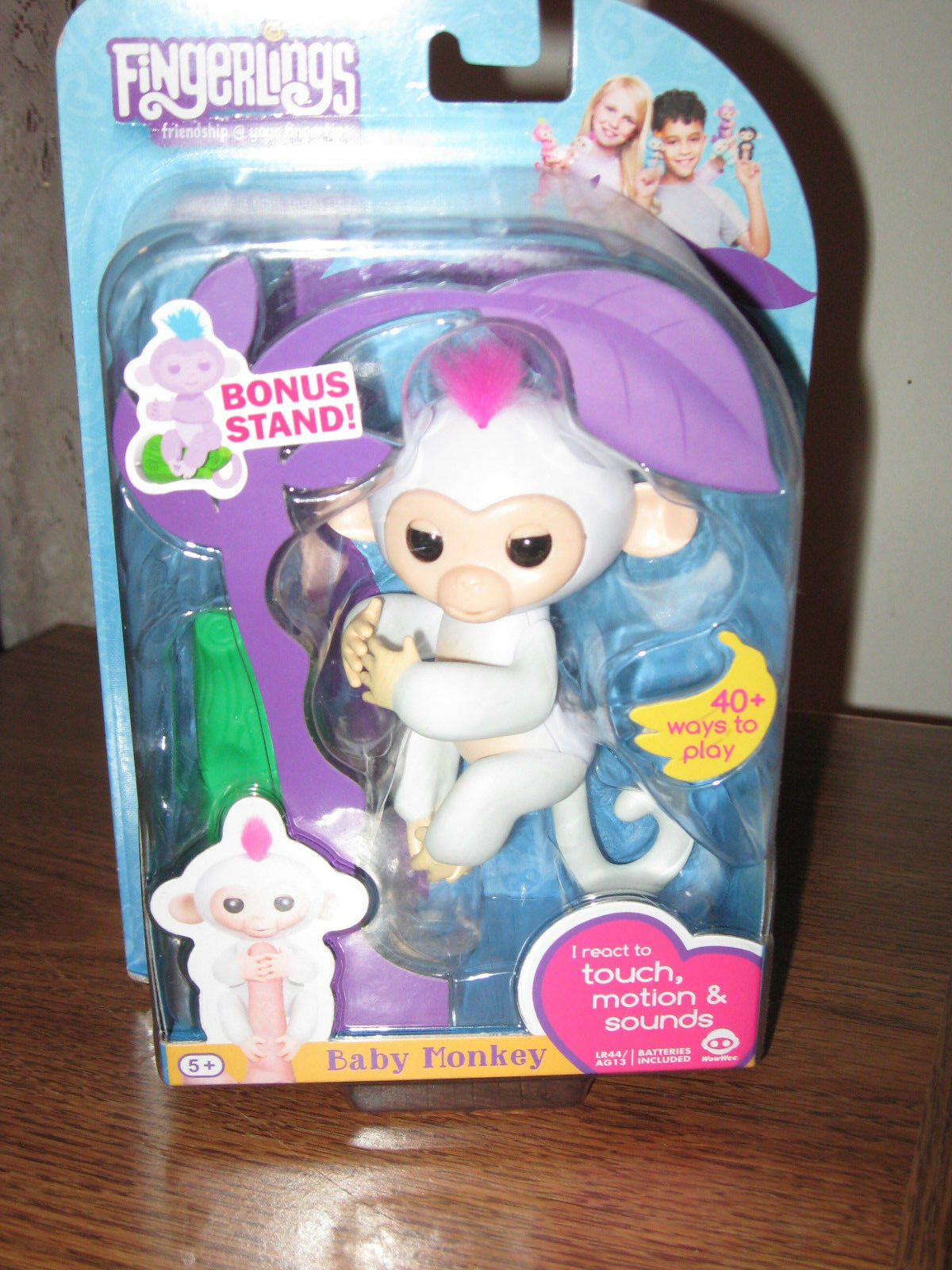 2017 WOW WEE Weiß  FINGERLING MONKEY NAME   SOPHIE   WITH MONKEY TREE STAND