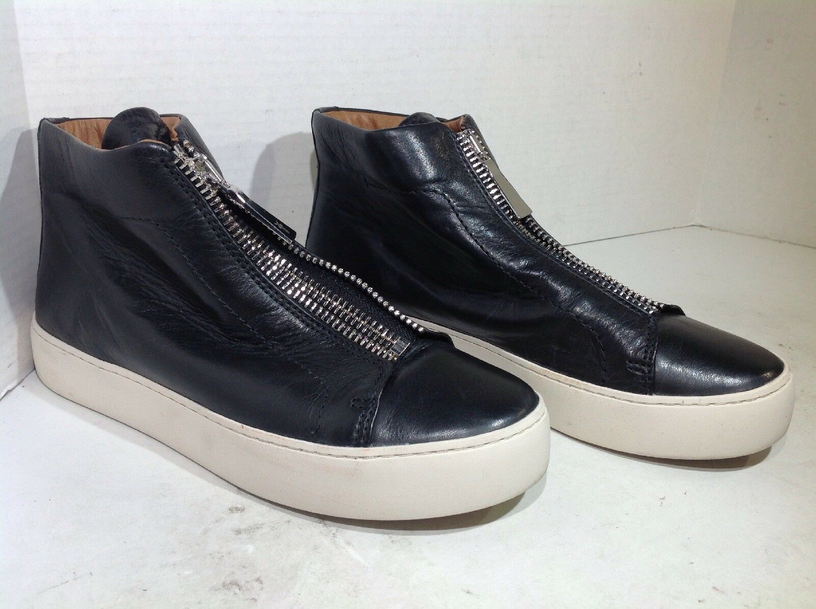 Frye Lena Women's Size 7.5 Black Leather Hi-top Fashion Sneakers shoes FB2-10