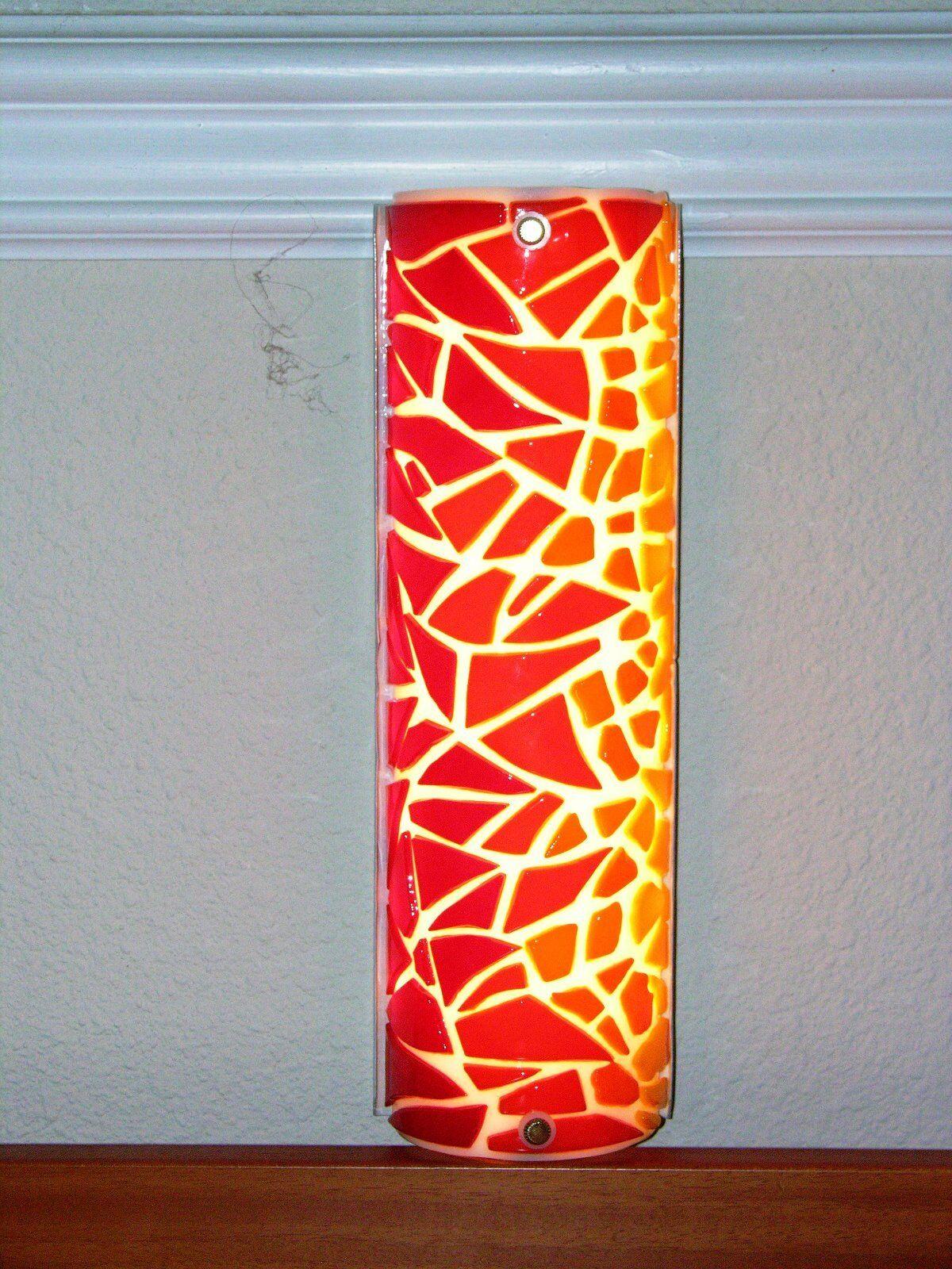 Inusual Hecho A Mano Led Luz De Noche  llama  con Original Vidrio Fundido Sombra