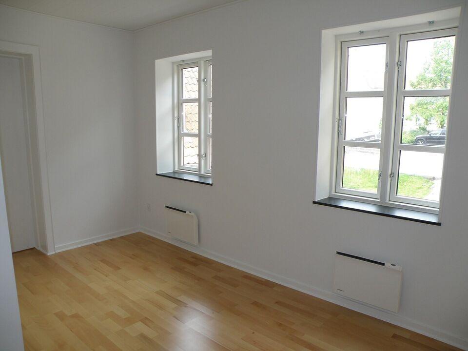 8800 vær. 2 lejlighed, m2 56, St. Sct. Mikkels Gade