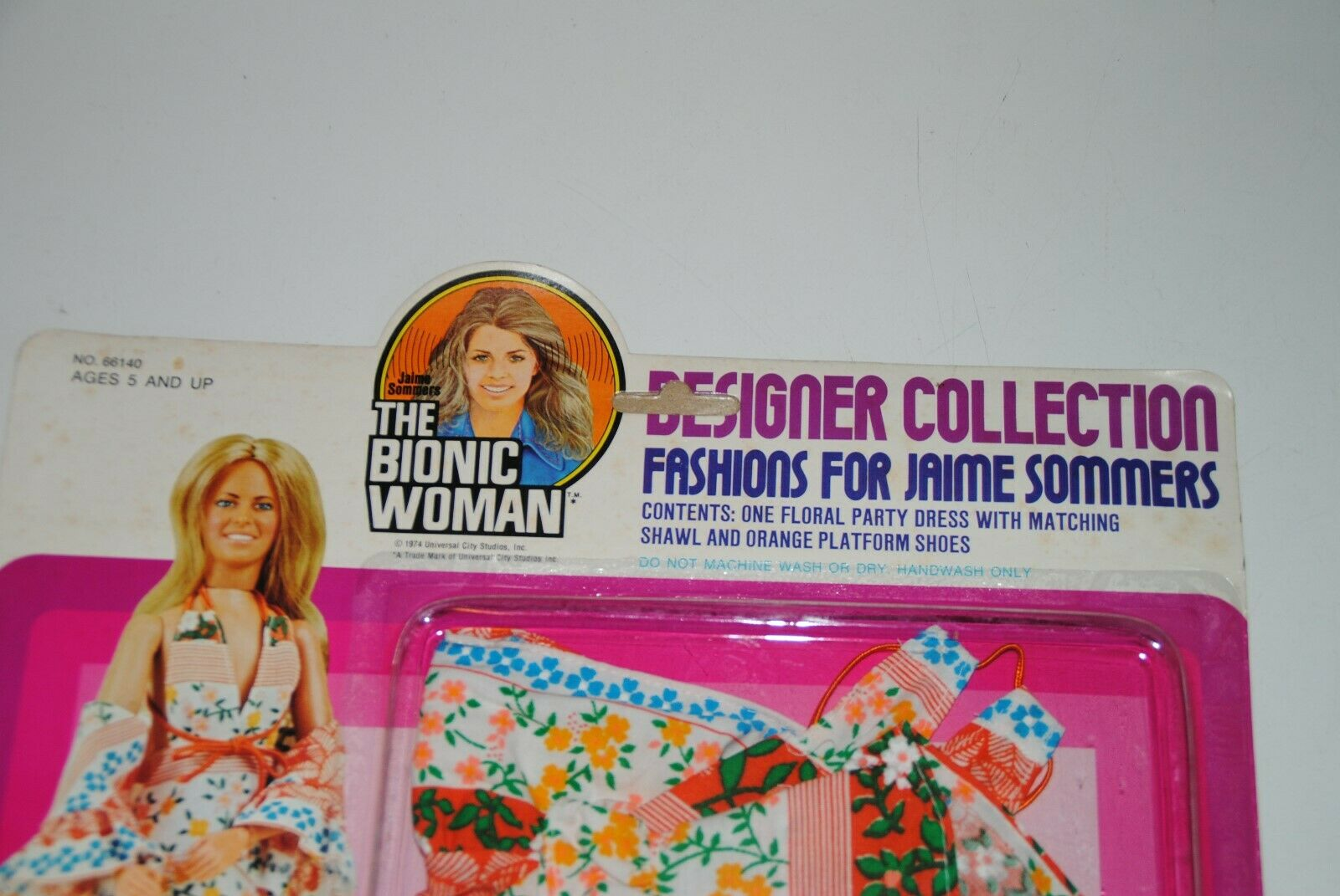THE SIX MILLION bambolaAR bambolaAR bambolaAR THE BIONIC donna   FLORAL DELI  OUTFIT JAMIE SOMMERS MOC 8d4033