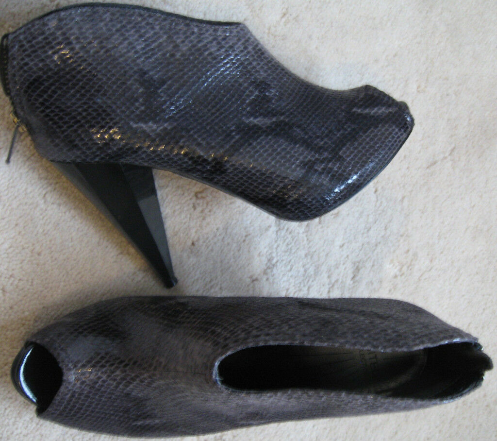 M&S Black High Heel Peep Toe Booties shoes (NEW) size 3.5-