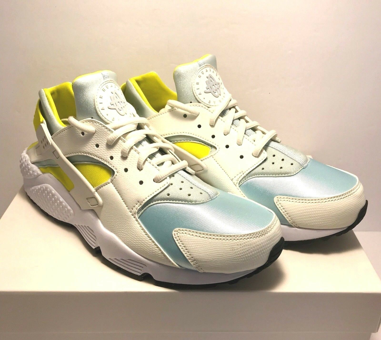 Nike Womens Size 11 Air Huarache Sail Glacier Blue Yellow Running Sneakers Shoes