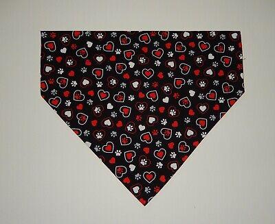 XL Dog Scarf Over the Collar Bandana Valentine/'s Day Bandana Paws /& Hearts Dog Bandana