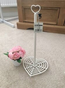Bnwt vintage home shabby chic cream heart kitchen roll for Shabby chic towel stand