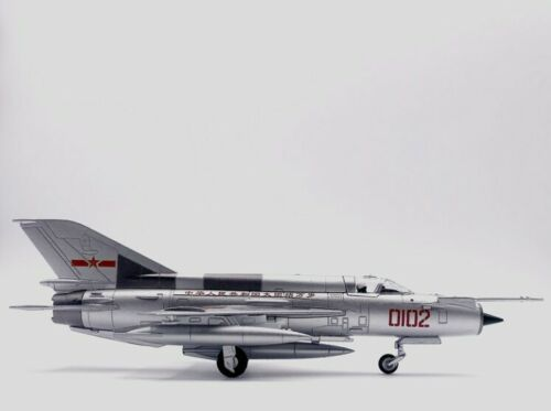MIG-21 Fighter Aircraft Diecast Military Model Plane Office Decor 1:72
