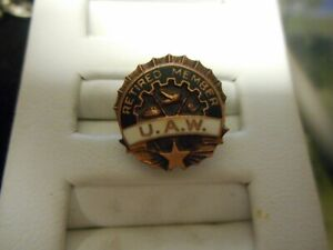 Vintage-Copper-color-Union-Made-UAW-United-Auto-Workers-RETIRED-MEMBER-Pin