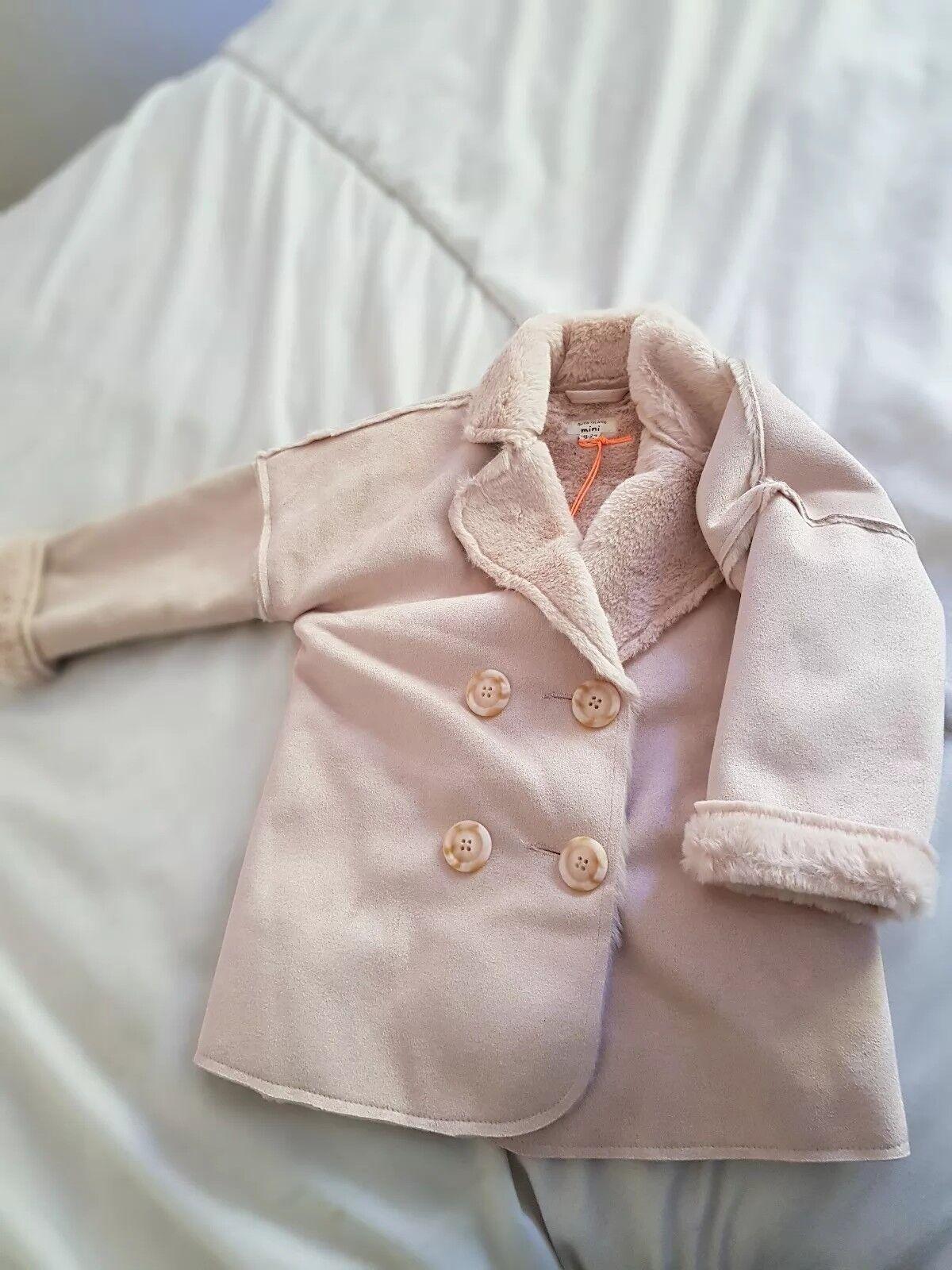 River Island - Mini Girl 18-24 - Pelzgefütterte Jacke Dusty Pink