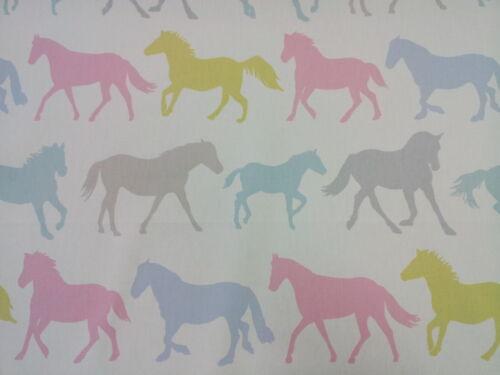 "Clarke and Clarke Stampede Horses Sorbet Vintage Fabric 137cm//54/"" wide"