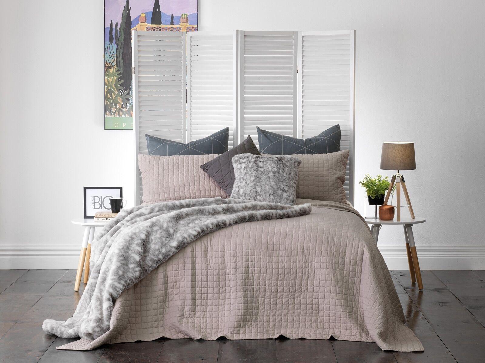 Weiß Smithfield Bedspread Set Taupe
