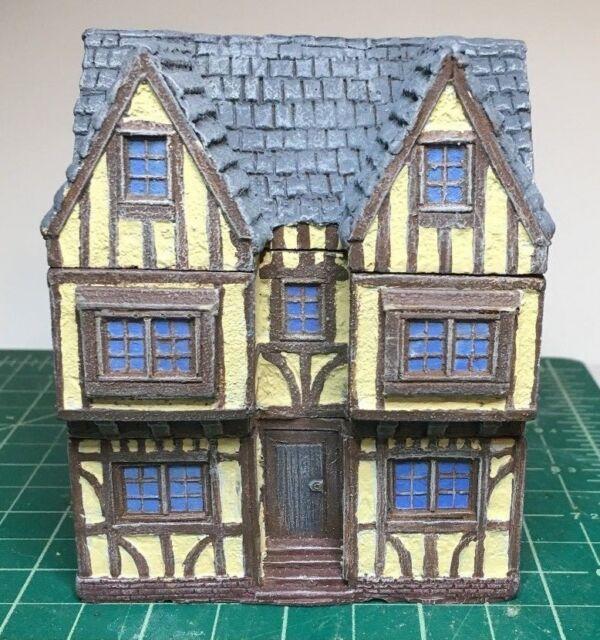 15 mm Painted European Tudor style Manor House building miniature