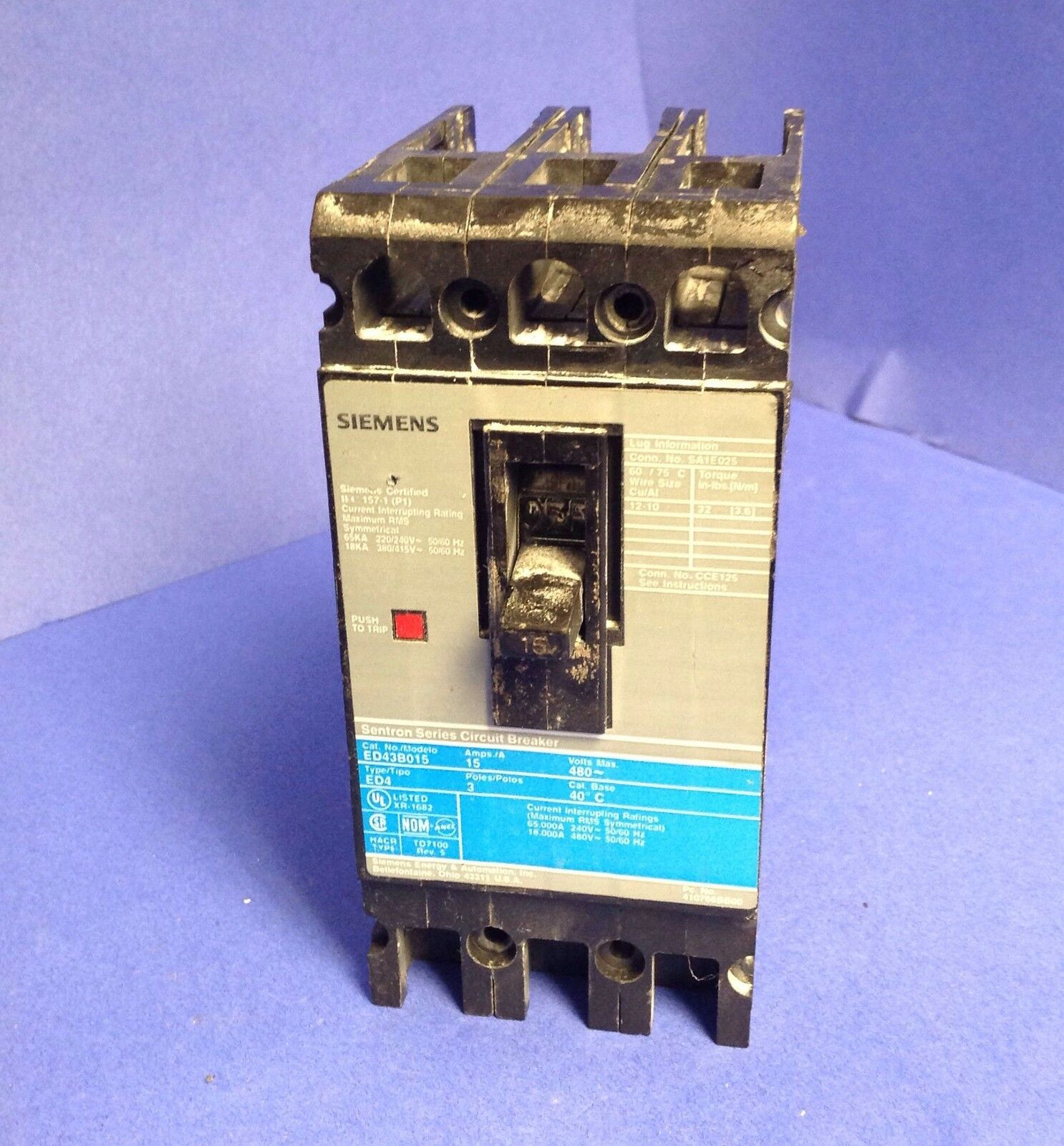 ITE SIEMENS ED4 ED43B015 3 POLE 480V 15 AMP BLUE GRAY LABEL CIRCUIT BREAKER UR