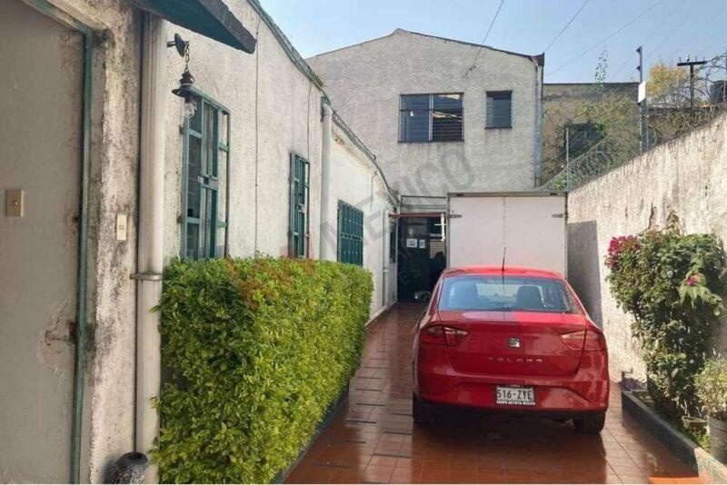 Increíble Casa, con uso de suelo de oficina en la Portales