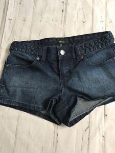 691a575c519 NWOT Forever 21 Sz 25 Dark Denim Braided Short Shorts Stretch Inseam ...