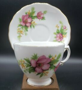 Royal Vale Fine Bone China Tea Cup & Saucer England Pink Flowers Gold Trim